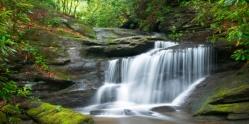 waterfall-105071234